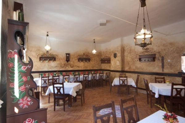 szekelyvendeglo-idolrestaurant-092860AD7C-6704-CF97-143B-94AFFE3AD8DE.jpg