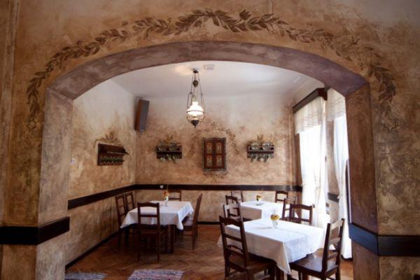 szekelyvendeglo-idolrestaurant-16386D316E-2F3F-C1A7-27CE-59C38DA4BB3A.jpg