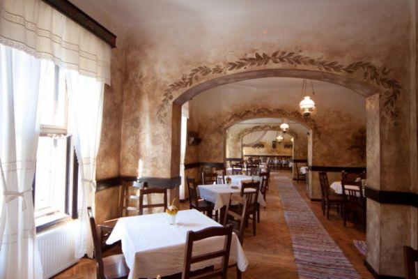 szekelyvendeglo-idolrestaurant-19F621BDD4-96AE-4057-A1BE-5A8C332AE392.jpg