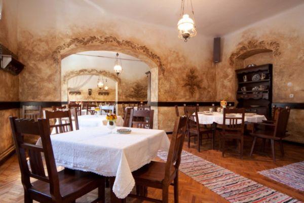 szekelyvendeglo-idolrestaurant-2057A1F0BE-4B45-C753-E9BB-B61438BEEDE8.jpg