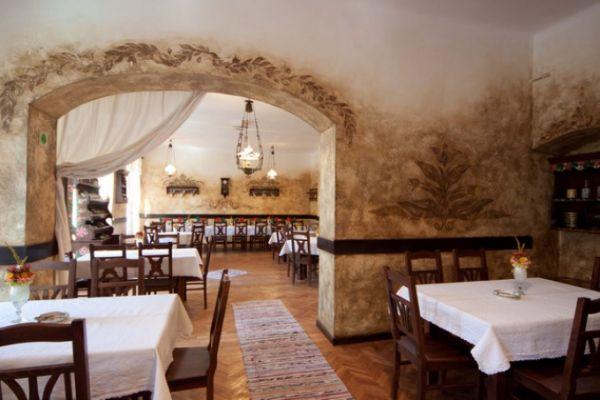 szekelyvendeglo-idolrestaurant-22CB13D903-1573-3A70-0009-250430E4FD04.jpg